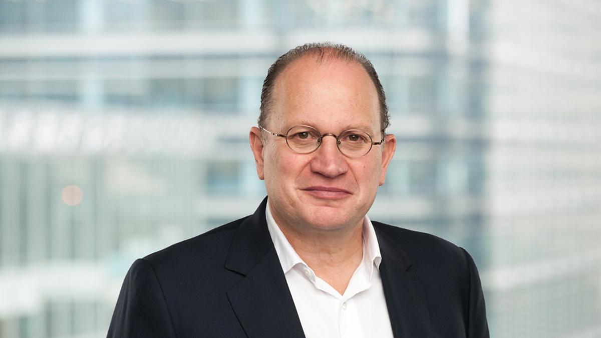 Mark E Tucker | HSBC Holdings plc